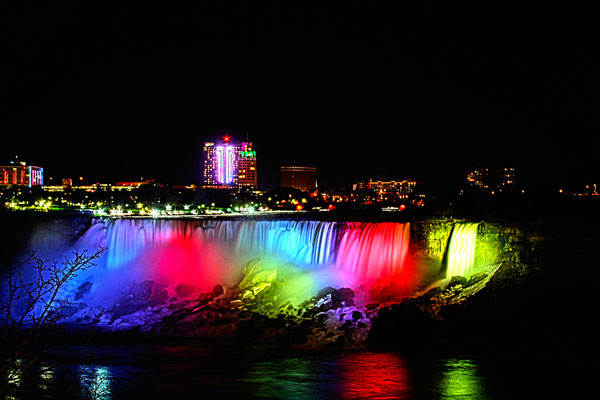 Cataratas del Niagara de noche