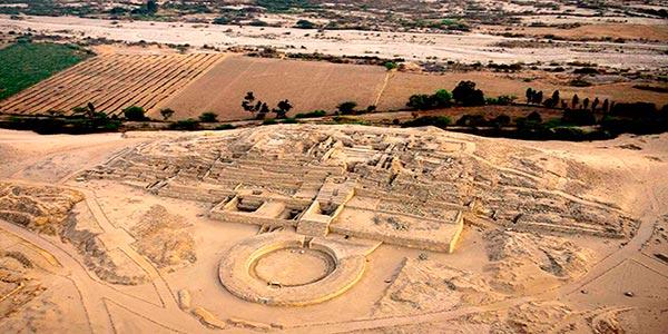 vista aérea de Caral en Perú